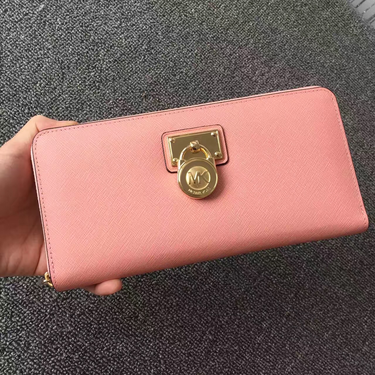 2017 New Michael Kors Lock Women Small Wallets Peach