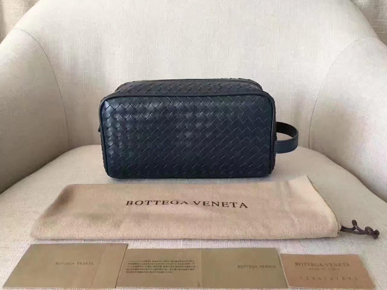 Bottega Veneta Multifunctional Leather Clutch Bag Black