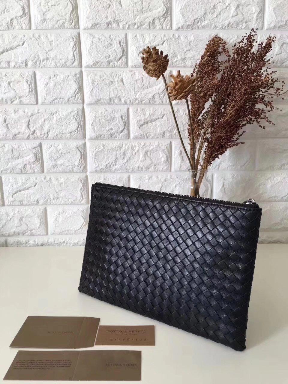 Bottega Veneta Women Leather Clutch Black
