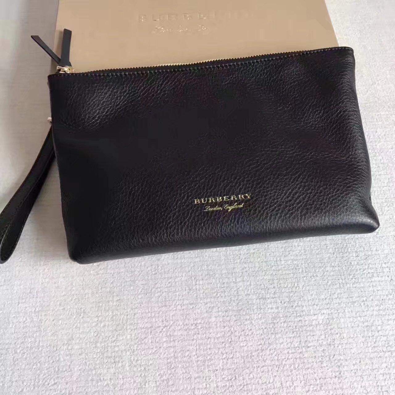 Burberry Women Leather Big Clutch Bag Chestnut Black