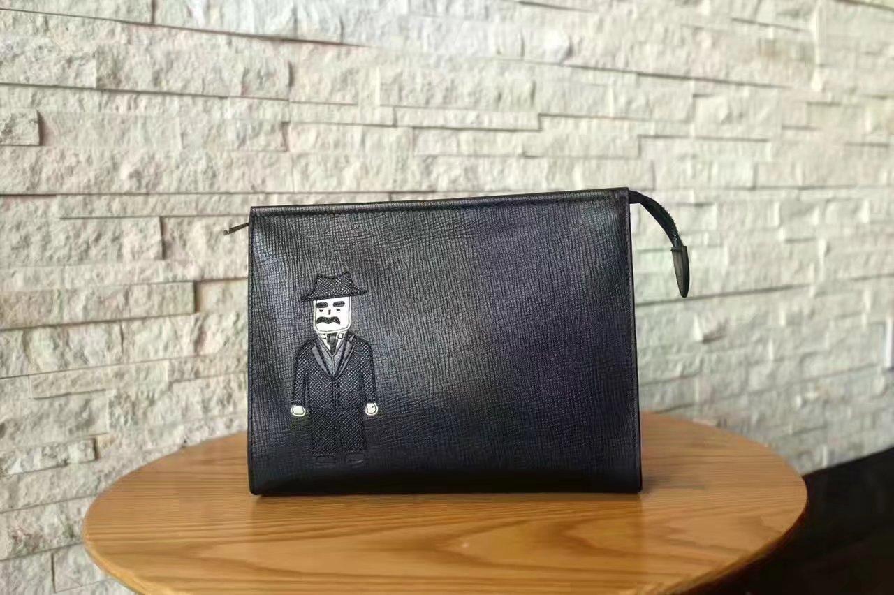 Dolce & Gabbana Men Vulcano Leather Clutch Bag Black DR03