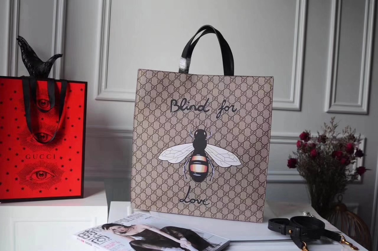 Gucci ‎‎‎450950 Bee Print Soft GG Supreme Men Tote Bag
