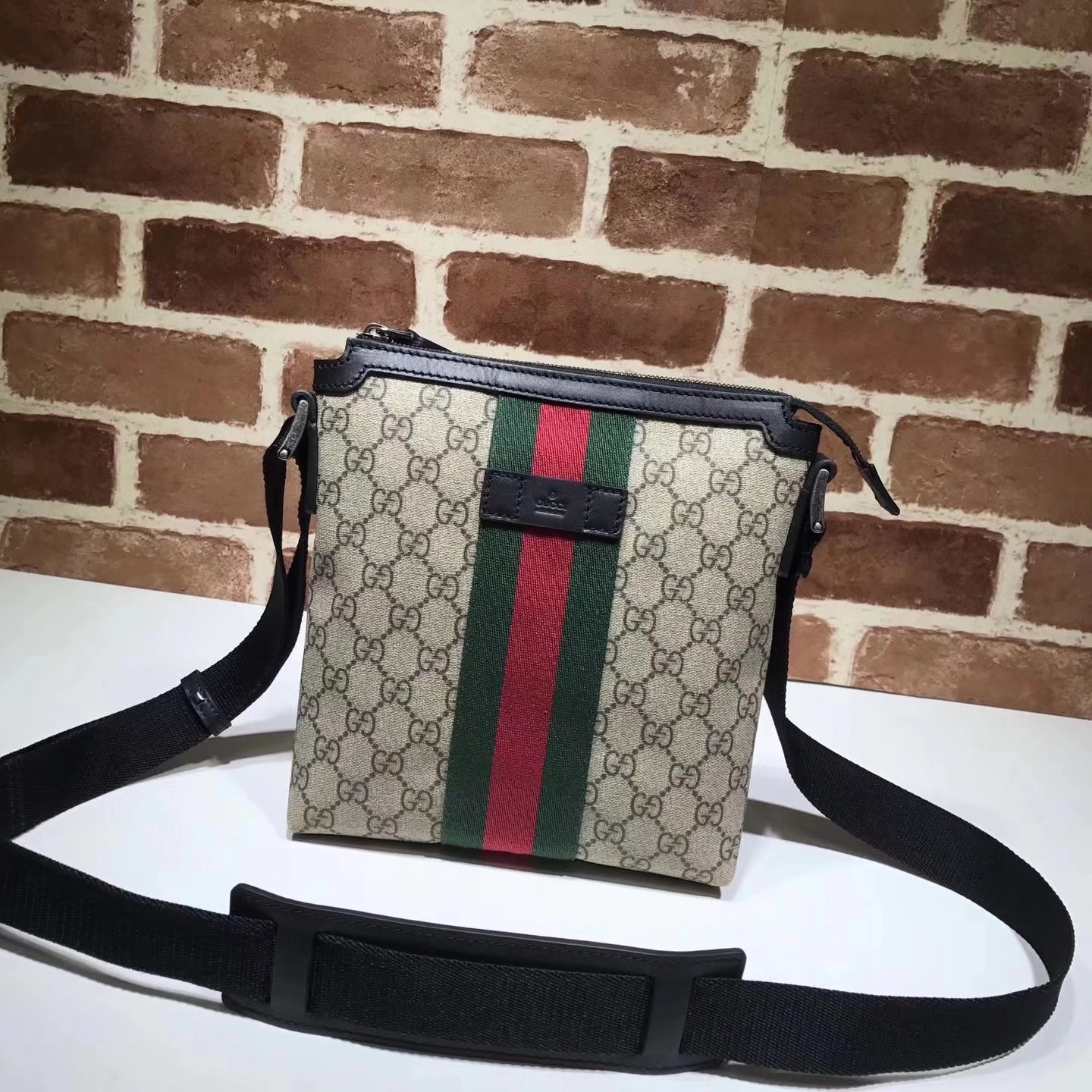 Gucci 471454 Web GG Supreme Flat Men Messenger Bag