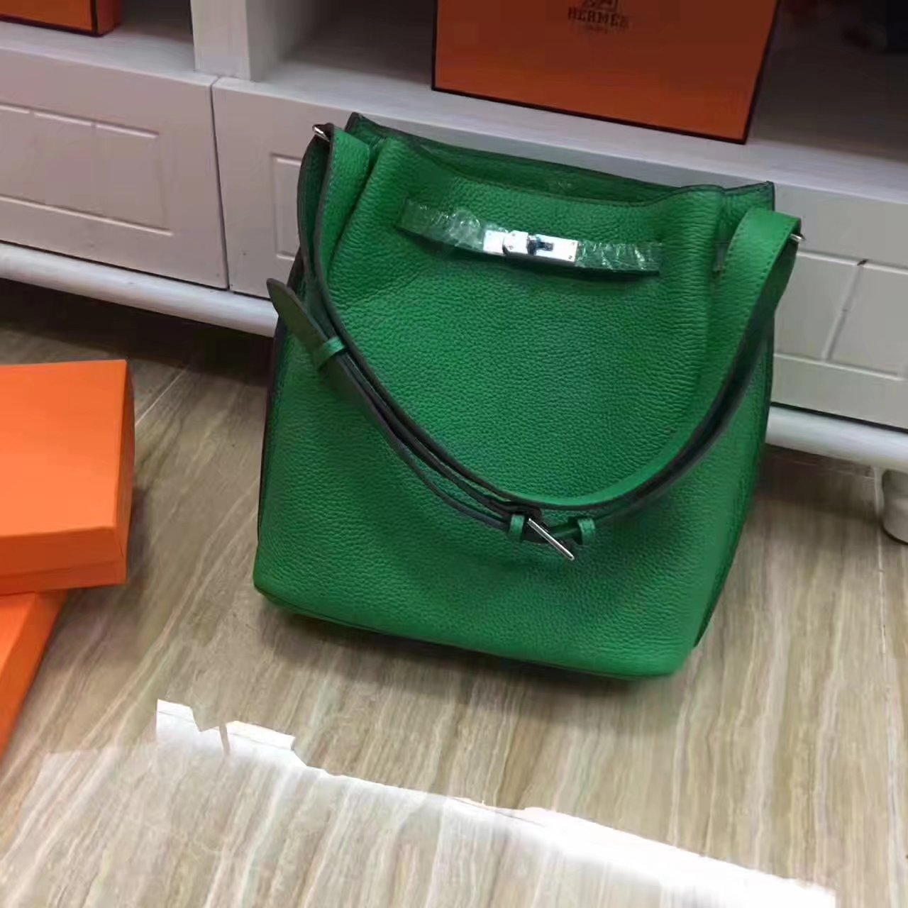 Hermes So Kelly 28cm Leather Shoulder Bag Green With Silver
