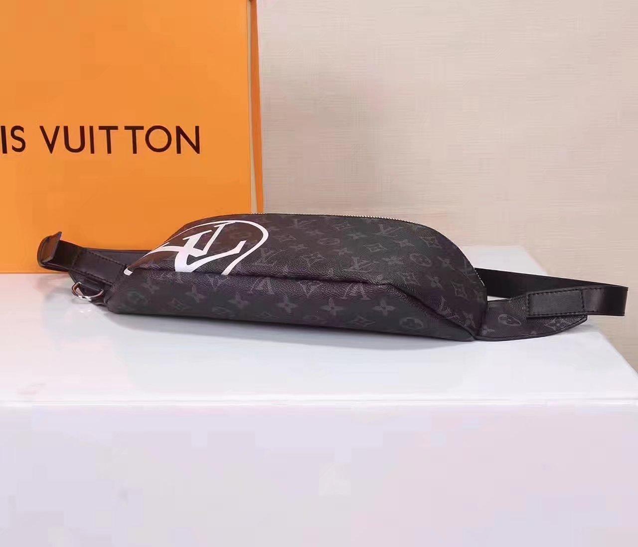 louis vuitton m54319 supreme messenger bag. Black Bedroom Furniture Sets. Home Design Ideas