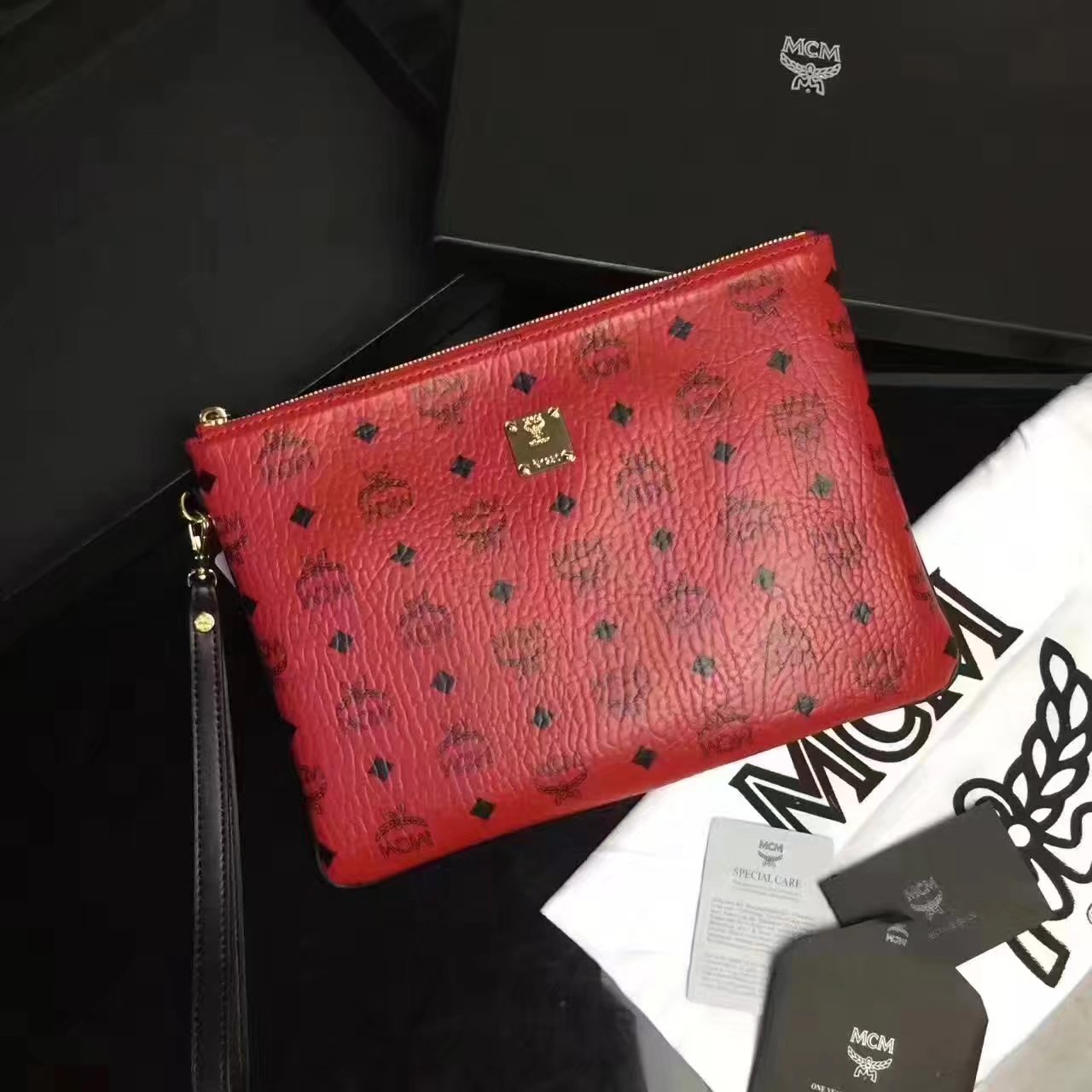 MCM Large Stark Pouch With Wristlet Red