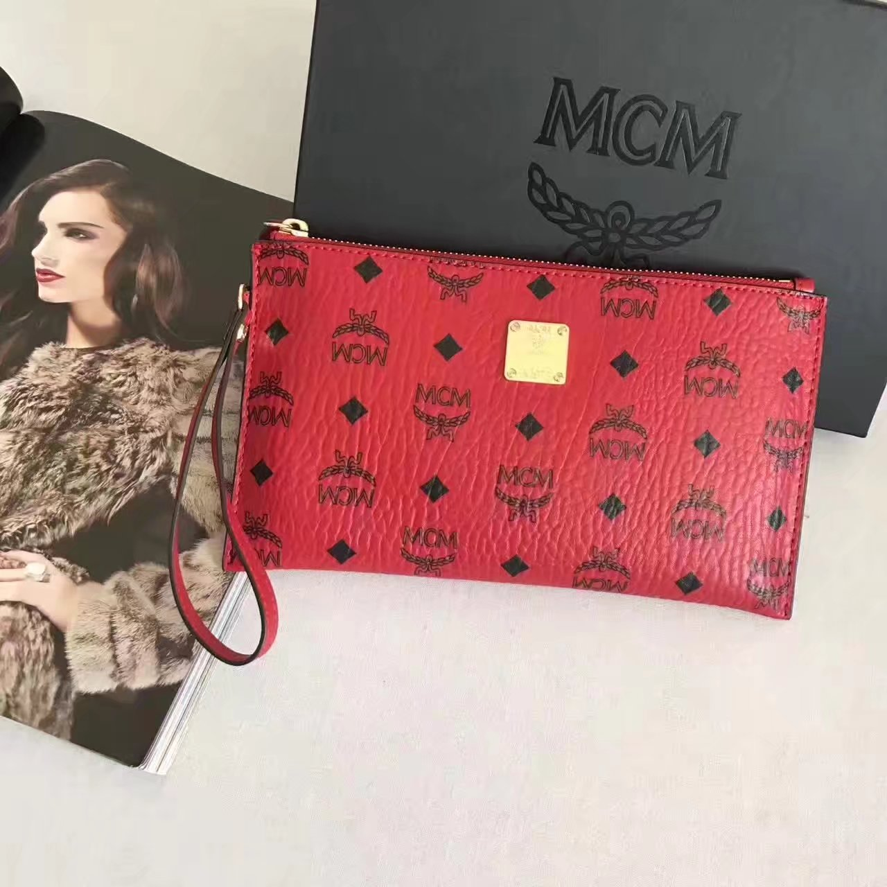 MCM Stark Pouch With Wristlet Red