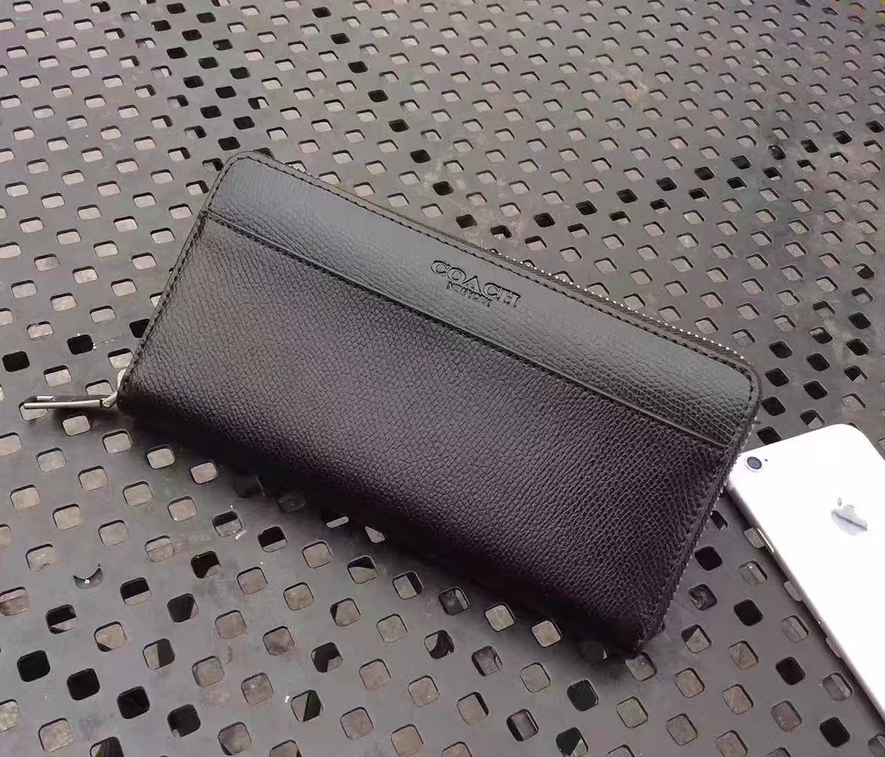 Oringial Coach Accordion Wallet in Sport Calf Leather