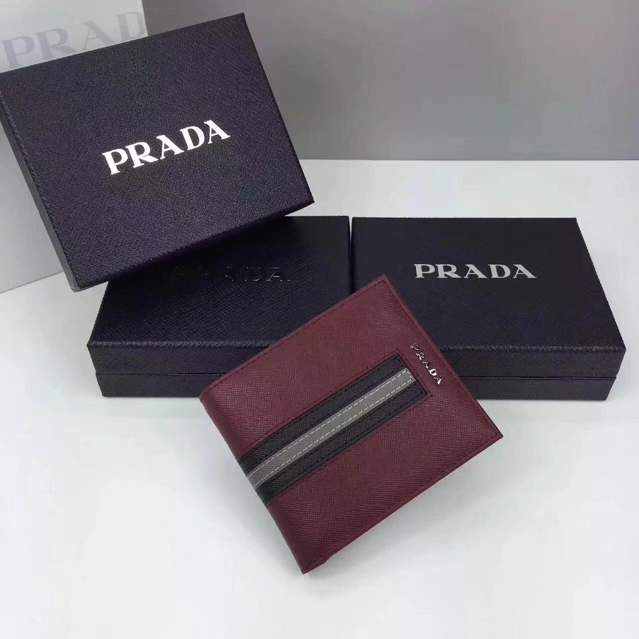 Prada F0002 Men Saffiano Leather Wallet with Intarsia Contrasting Color Red