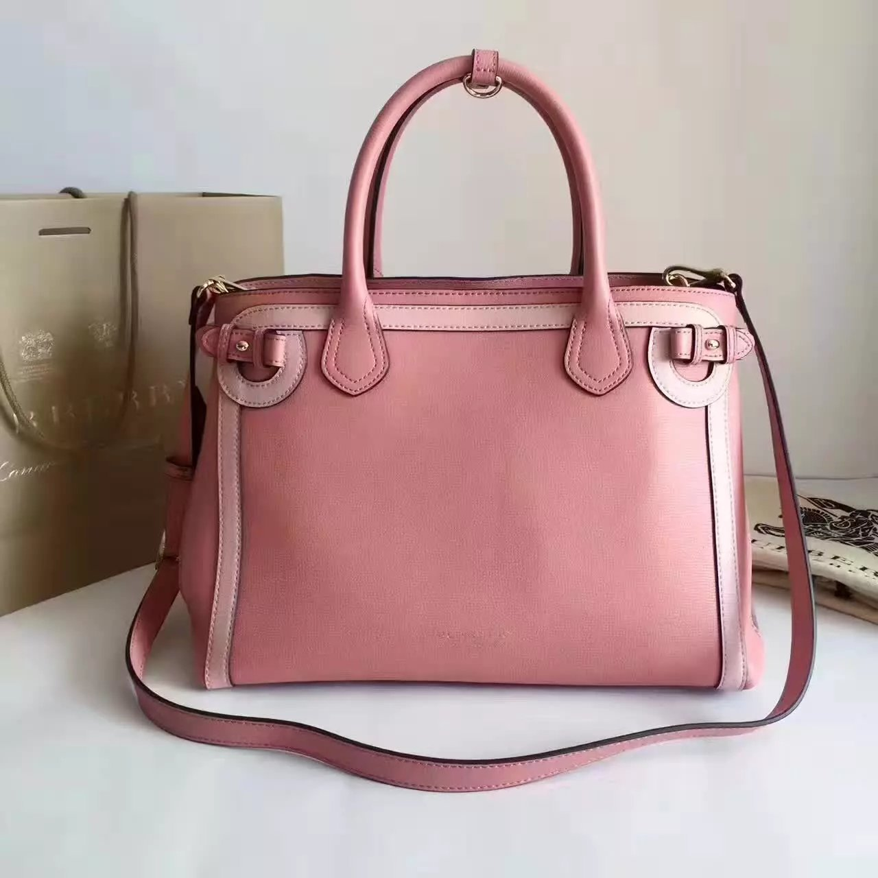 Top Quality Burberry The Banner Medium Leather Signature Bags Pink