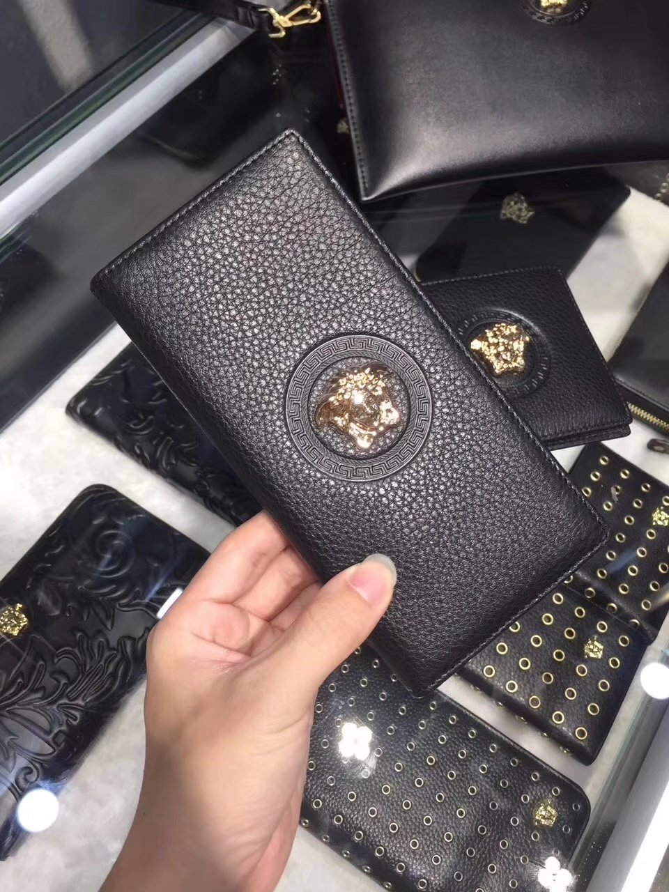 Versace Palazzo Calf Leather Men Long Wallet Black With Medusa Logo